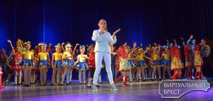 «Лето. Чудо. Дети» - состоялся отчетный концерт танцевальной студии «Альянс»