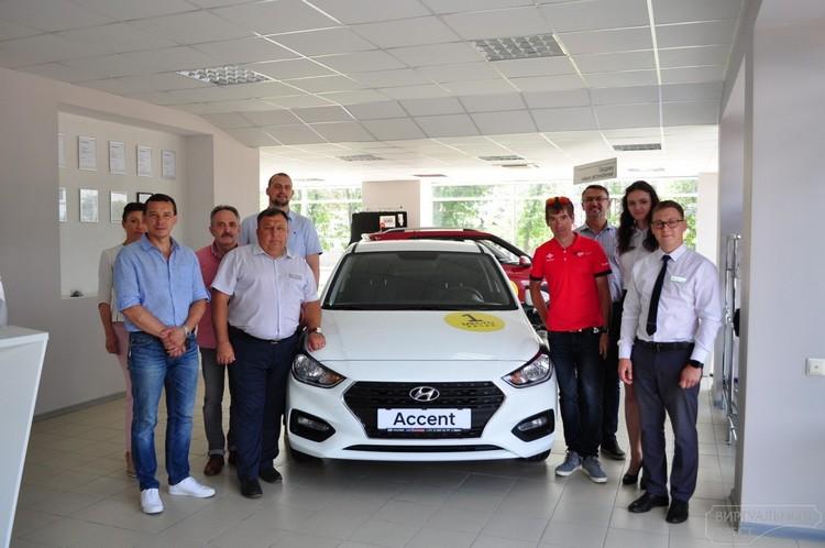 Ha Hyundai - за победой. В Бресте поздравили абсолютного чемпиона Беларуси по велоспорту