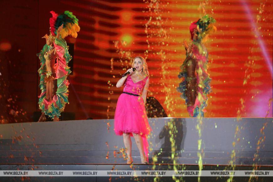 """Шоу """"Миллениум"""" стало кульминацией празднования тысячелетия Бреста"""