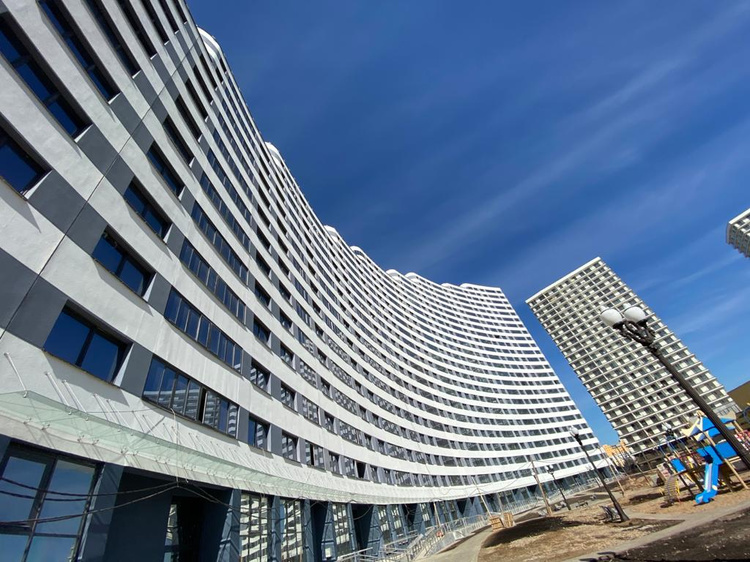 «Жемчужины» в строю! В столичном комплексе «Минск Мир» – новоселья, акция и активное строительство