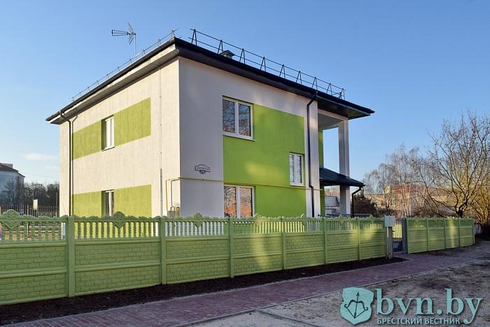 В Бресте на Дубровке открывают семейный детский дом. Кто будут его воспитатели