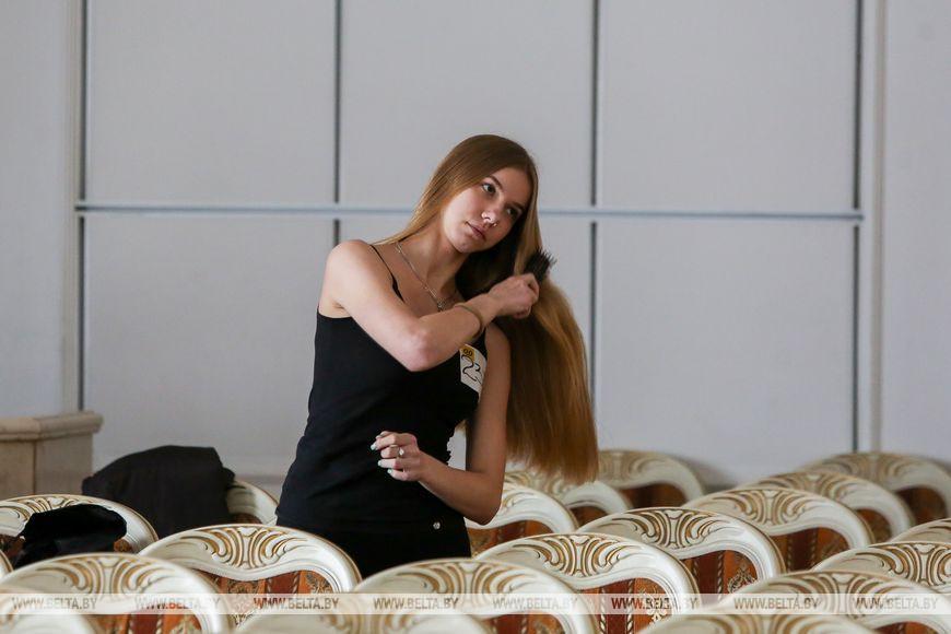 """ФОТОФАКТ: В Бресте прошел областной этап конкурса """"Мисс Беларусь - 2020"""""""