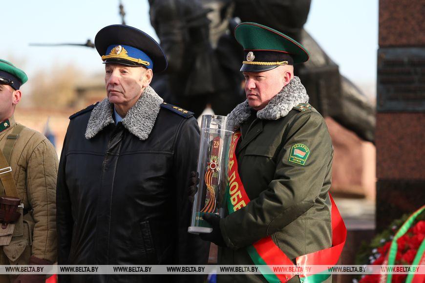 Генерал полковник Александр Манилов и полковник Кирилл Киндель