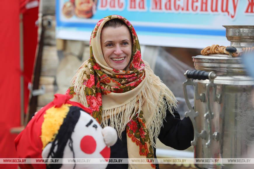 А посмотрите, какие яркие и жизнеутверждающие фото с Масленицы в Бресте