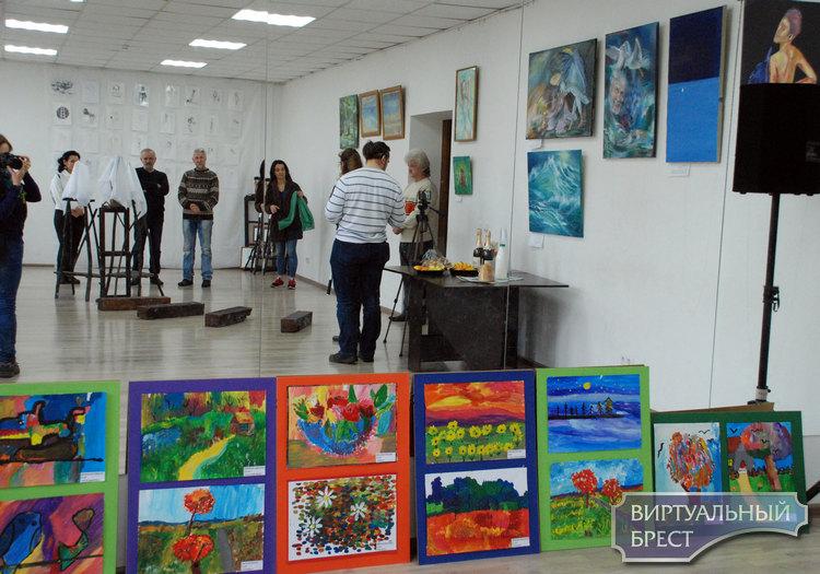 Новая выставка Александра Лазерко открылась в «Абрис Клубе»