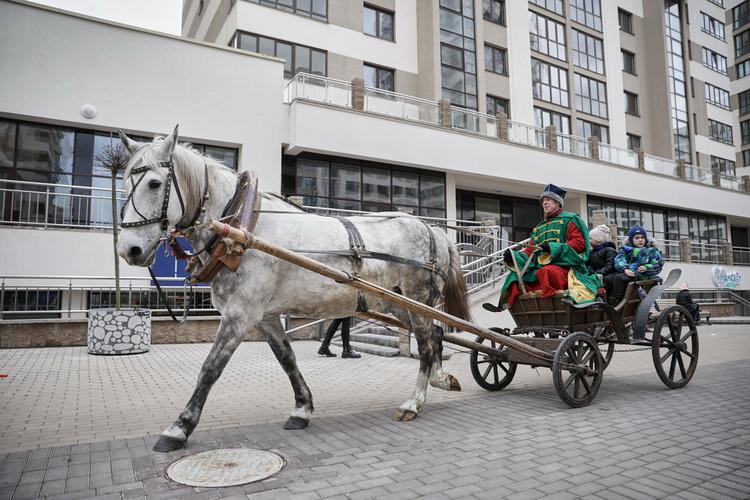 Прощай, зима – весне дорогу! В столичном комплексе «Маяк Минска» отметили Масленицу
