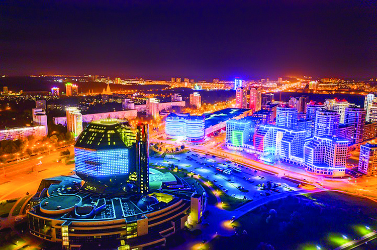Окнами в парк или на реку? В Минске – весенняя акция на квартиры в центре города!