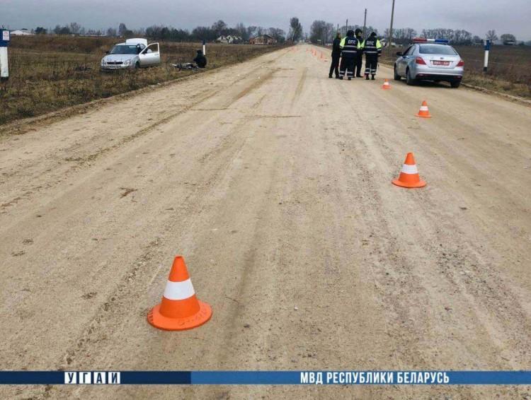 Пьяный водитель насмерть сбил женщину на велосипеде на встречной полосе и скрылся