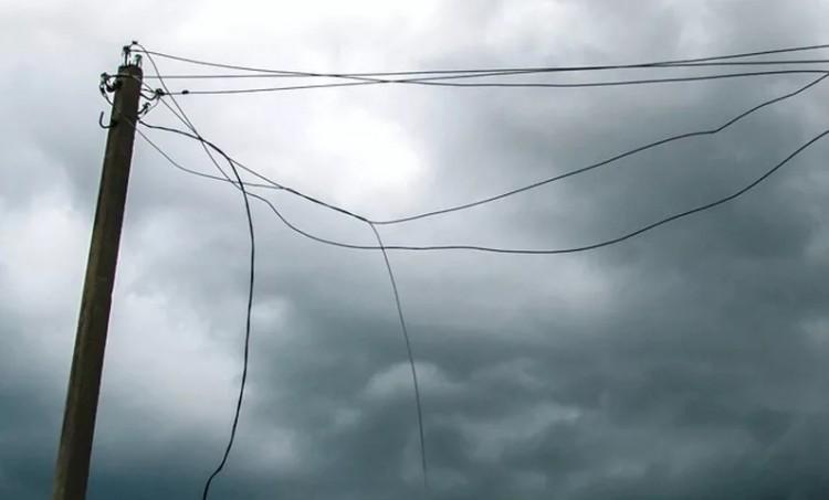 Соблюдение электробезопасности правил при сильном ветре: что надо знать?