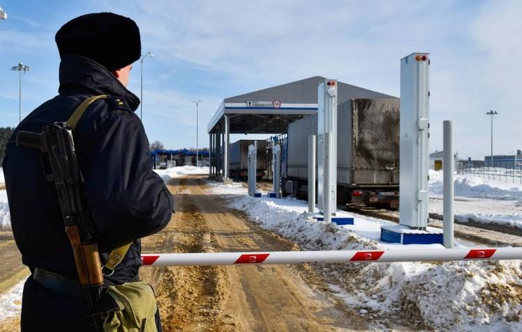 Россия закрывает границу с Беларусью из-за коронавируса