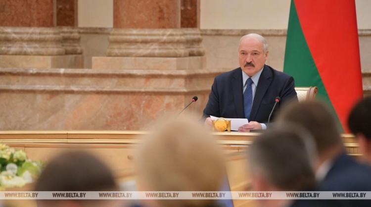 Лукашенко обсуждает с Совмином итоги развития страны. Каких показателей удалось достичь правительству?