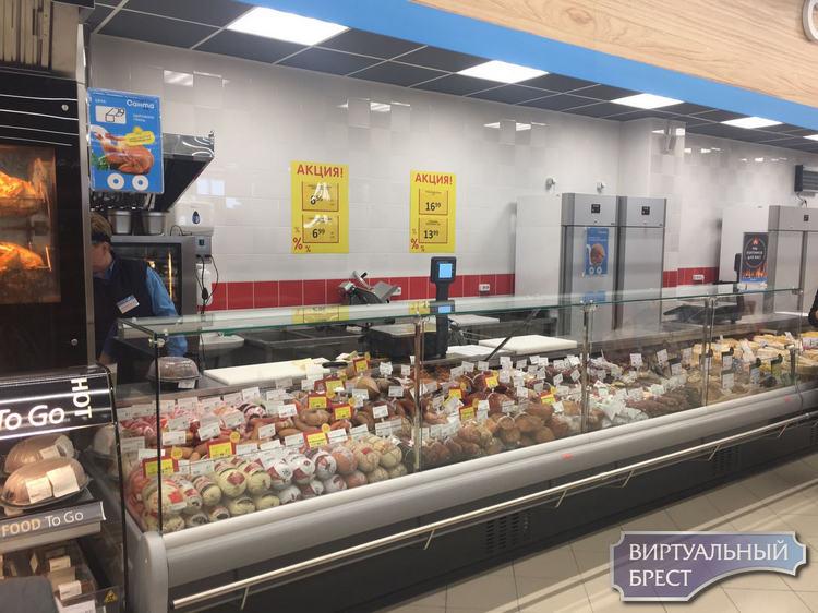 «Как в Европе». В Бресте на ул. Гоголя открыли супермаркет «Санта» с пиццами и суши