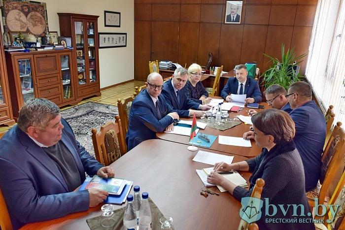 Комиссия рассмотрела вопросы своевременной зарплаты на предприятиях Бреста