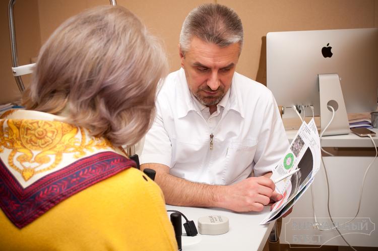 Даже очки не нужны! Как минские врачи возвращают зрение брестчанам с катарактой