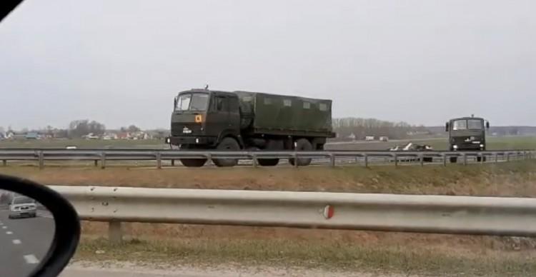 В Брестской области водители наблюдают перемещения военной техники по трассам