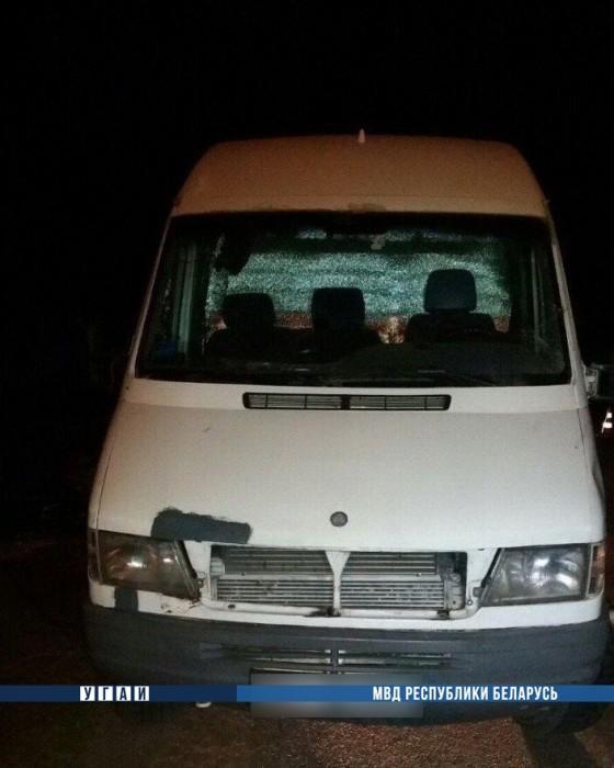 Водитель, лишённый прав за пьянку, сбил на микроавтобусе велосипедиста