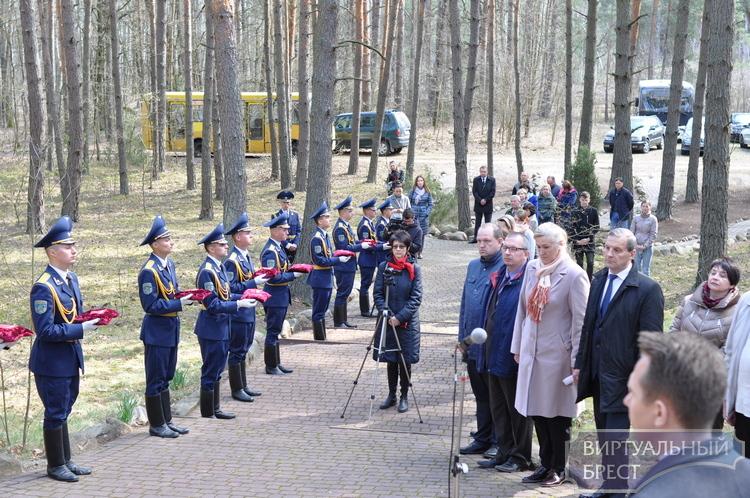 Землю с 62-х мест захоронений передали из Брестского района для закладки храма-памятника в Минске