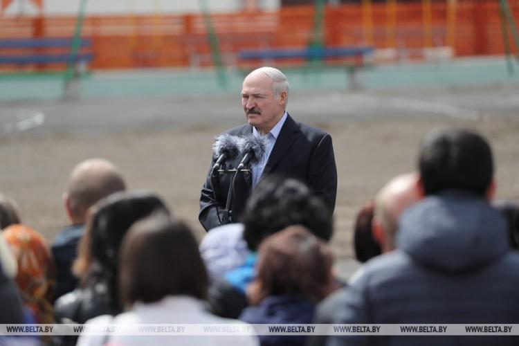 Лукашенко: надо думать о том, что будет с нами после того, как уйдет пандемия