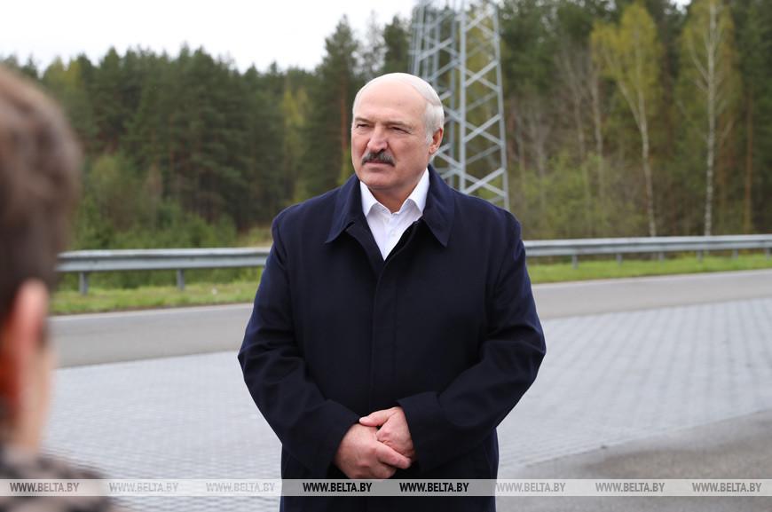 """""""На обвинения надо реагировать вовремя и адекватно"""" - Лукашенко ответил на критику решения провести парад"""