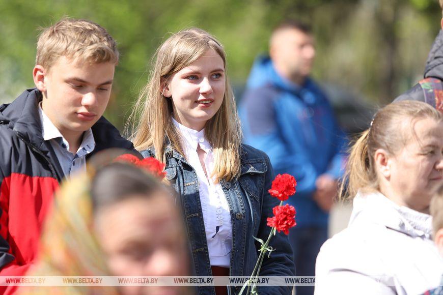 Памятник погибшим землякам открыли в Брестском районе в преддверии Дня Победы
