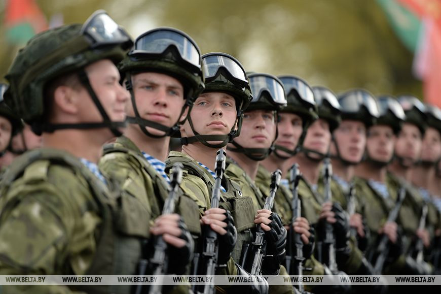 Лукашенко: парад в День Победы - это не демонстрация силы, а дань памяти нашей героической истории