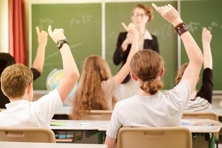 Рефлексия учителя на высказывания министра образования о ненагнетании, о работе 1 мая и др.