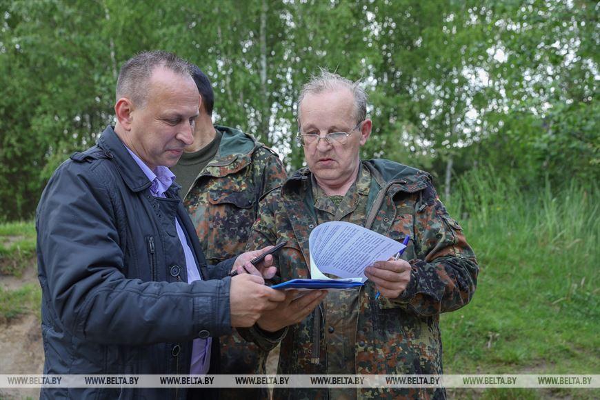 Виктор Демянчик (справа)