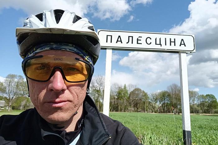 Брестчанин Александр Юрага проезжает в день до ста километров на велосипеде