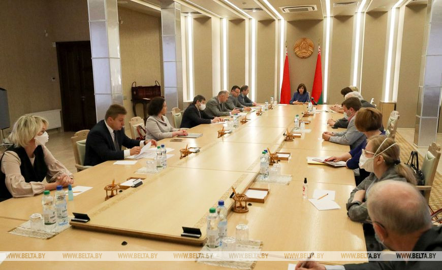 Развитие эпидситуации в Беларуси обсуждено на совещании Кочановой с медиками
