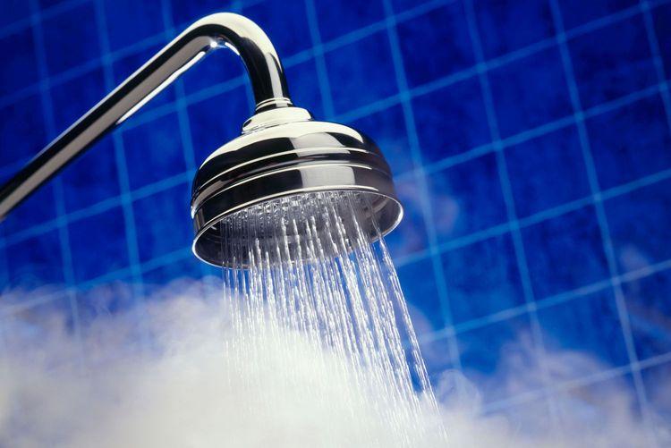 Сегодня горячую воду отключат у значительной части города