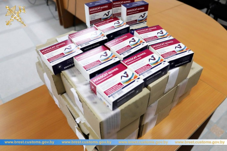Брестчанин пытался вывезти в Украину более 1,4 тыс. ампул с инъекциями