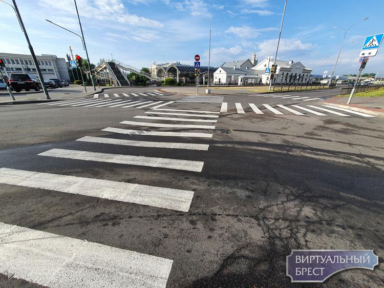 Как в Японии, только в Бресте. Диагональный пешеходный переход появился у вокзала