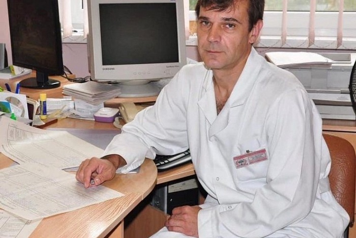 Завотделением Брестской облбольницы Владимир Саливончик: «Раньше тоже были тяжелые пневмонии»