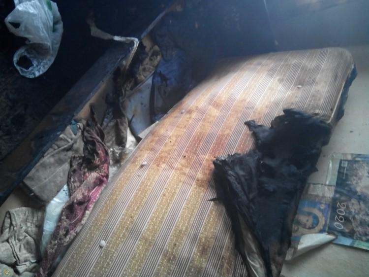 Работники МЧС спасли на пожаре жителя Кобрина