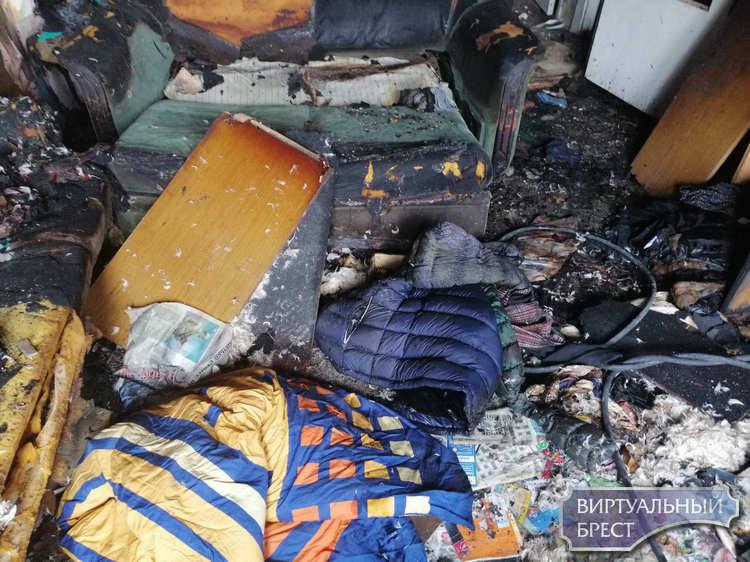 Посмотрите на жуткие фотографии квартиры после пожара и не будьте так беспечны с огнём