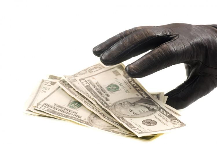 В Бресте сыщики задержали подозреваемого в краже денег из комнаты в хостеле у женщины