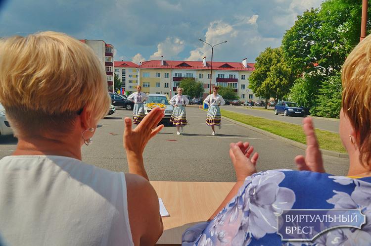 Показываем, как сочно отметил свой день город-спутник Жабинка (можно удивиться и завидовать)