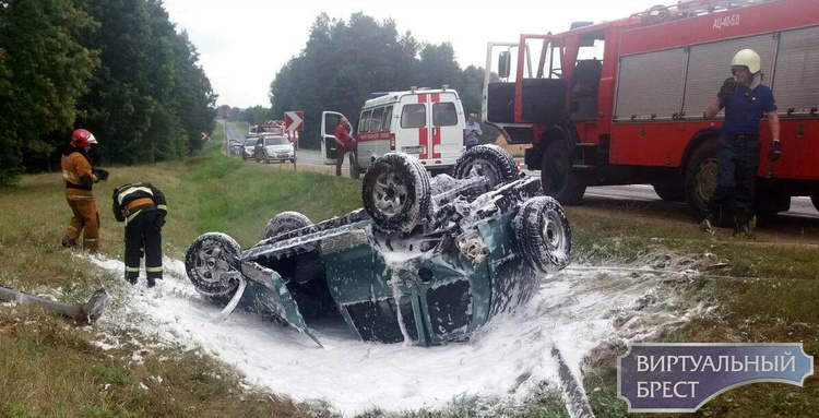 Авария вблизи агрогородка Видомля. Водитель «Киа» съехала в кювет и перевернула автомобиль