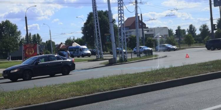 На перекрёстке ул. Московская и Пионерская сбили велосипедиста (видео происшествия)