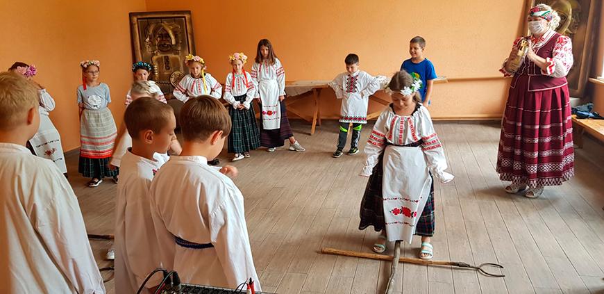 Экспозицию Центра традиционной культуры и быта в Пинском районе пополнит найденная на дне реки лодка