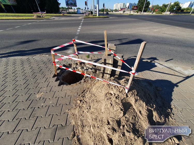 Что за загадочные ямы на перекрёстках вдоль ул. Октябрьской революции и 28-го Июля?