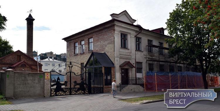 «Консерва» обновляет фасад, а что во дворе, а что дальше?