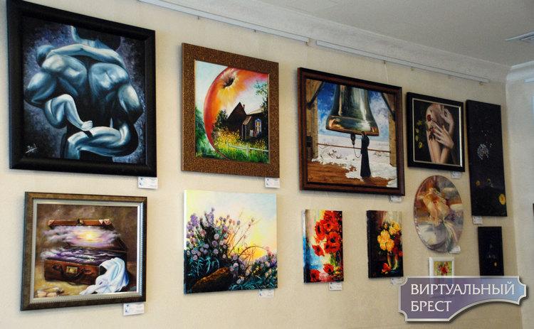 В выставочном зале отеля HERMITAGE открылась выставка Натальи Алехно «Отражение»