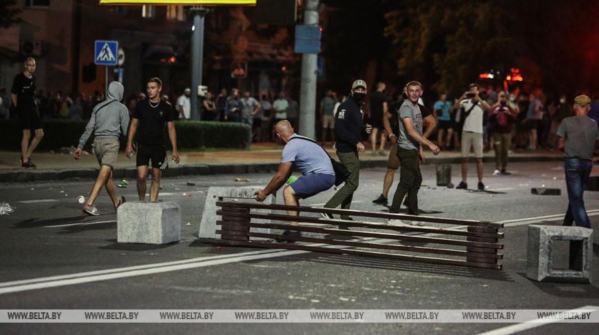 Фотофакт от Белта: массовые беспорядки и провокации  в Брест